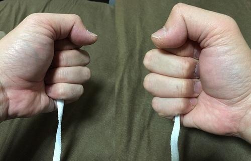 紐を引っ張る(イメージ画像)